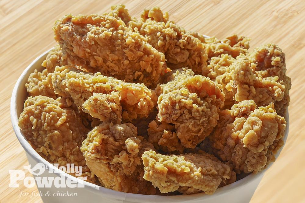 Panierowany, smażony kurczak w kubełku